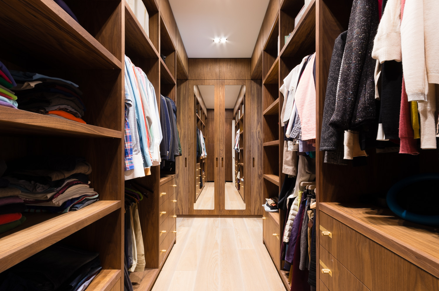 Bespoke walk in wardrobe - Warwick avenue dressing room mirrored doors