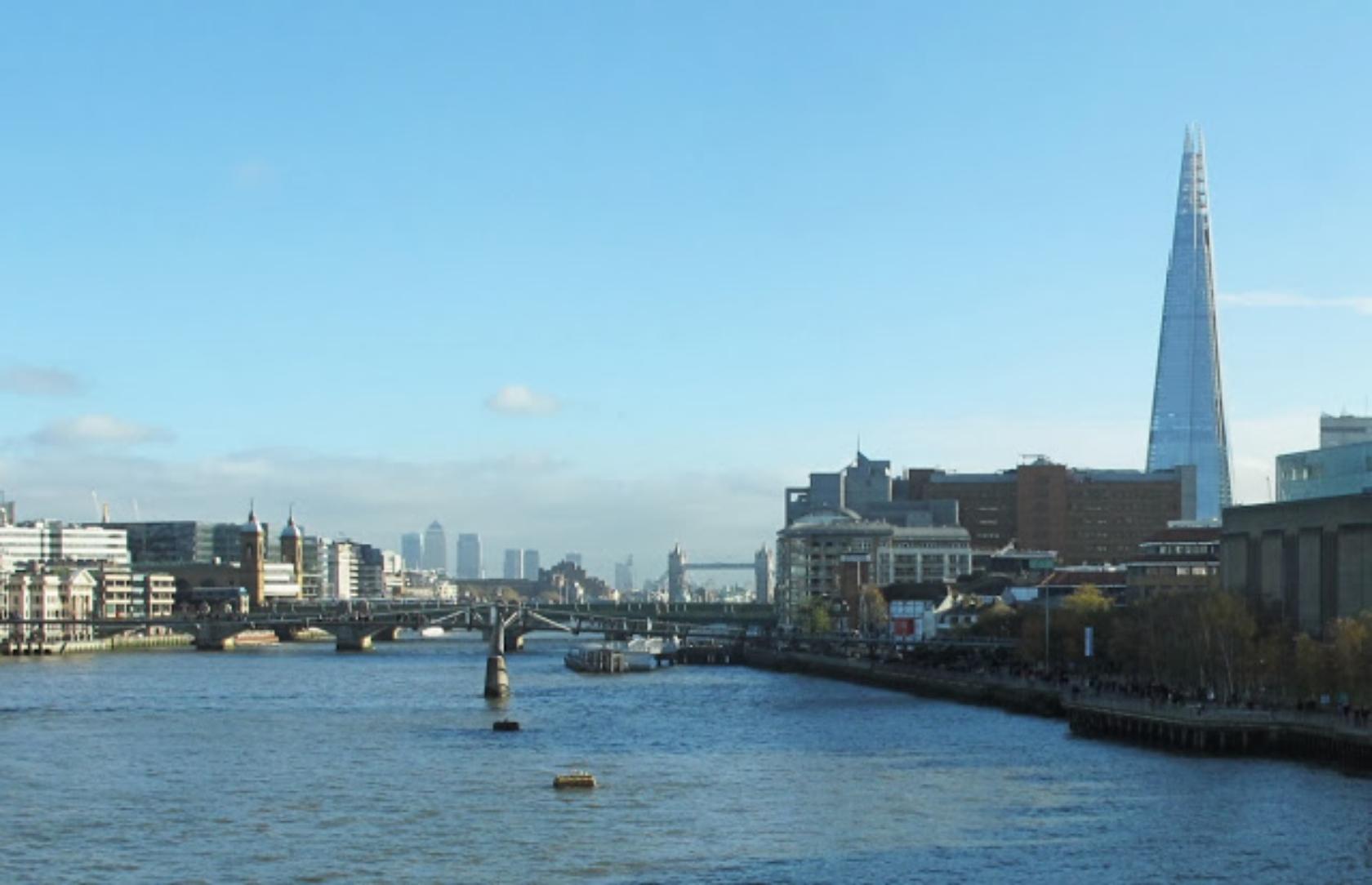 Blackfriars+Bridge_Panorama3+crppd+enhncd.jpg