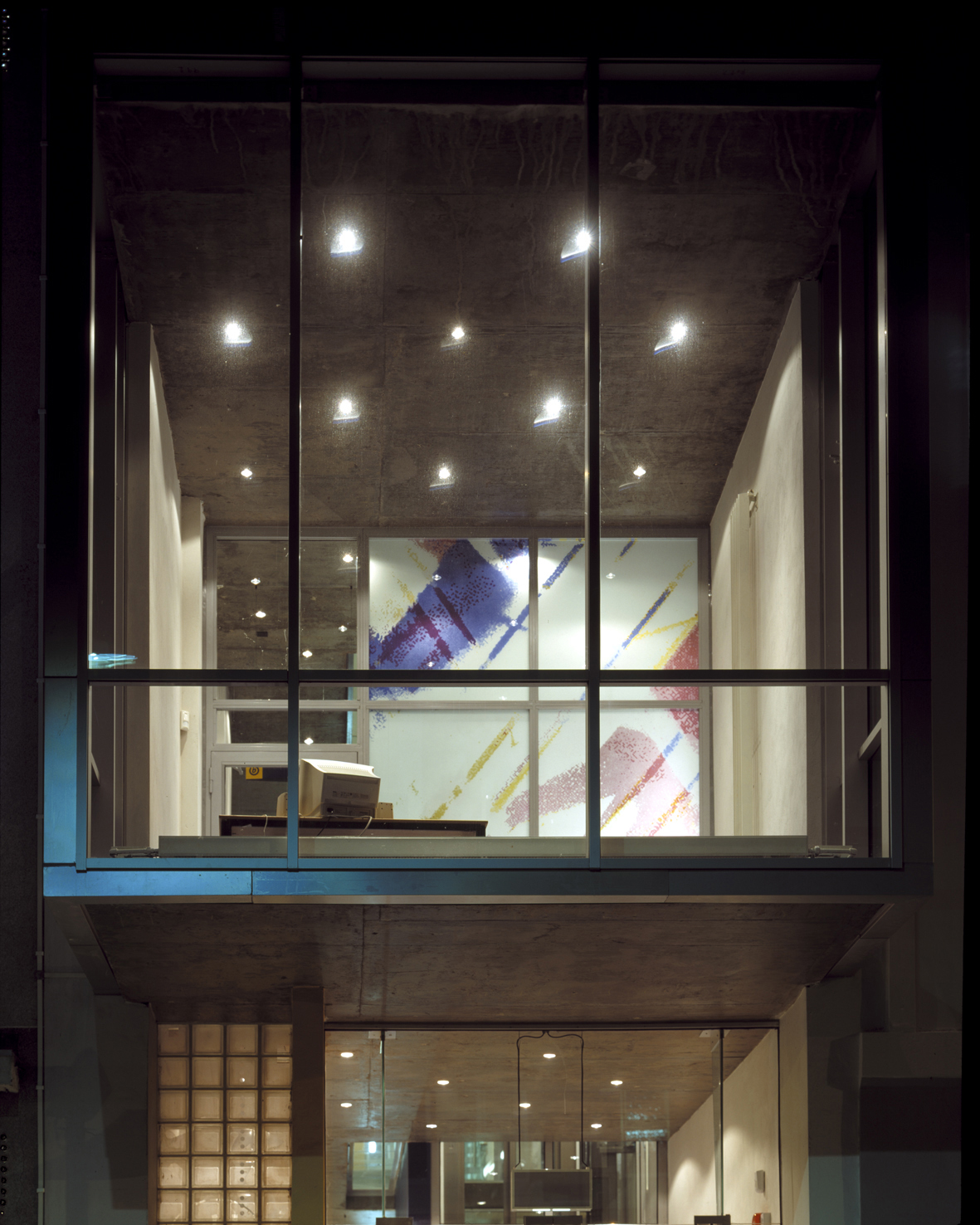 Broadway Centre, windows