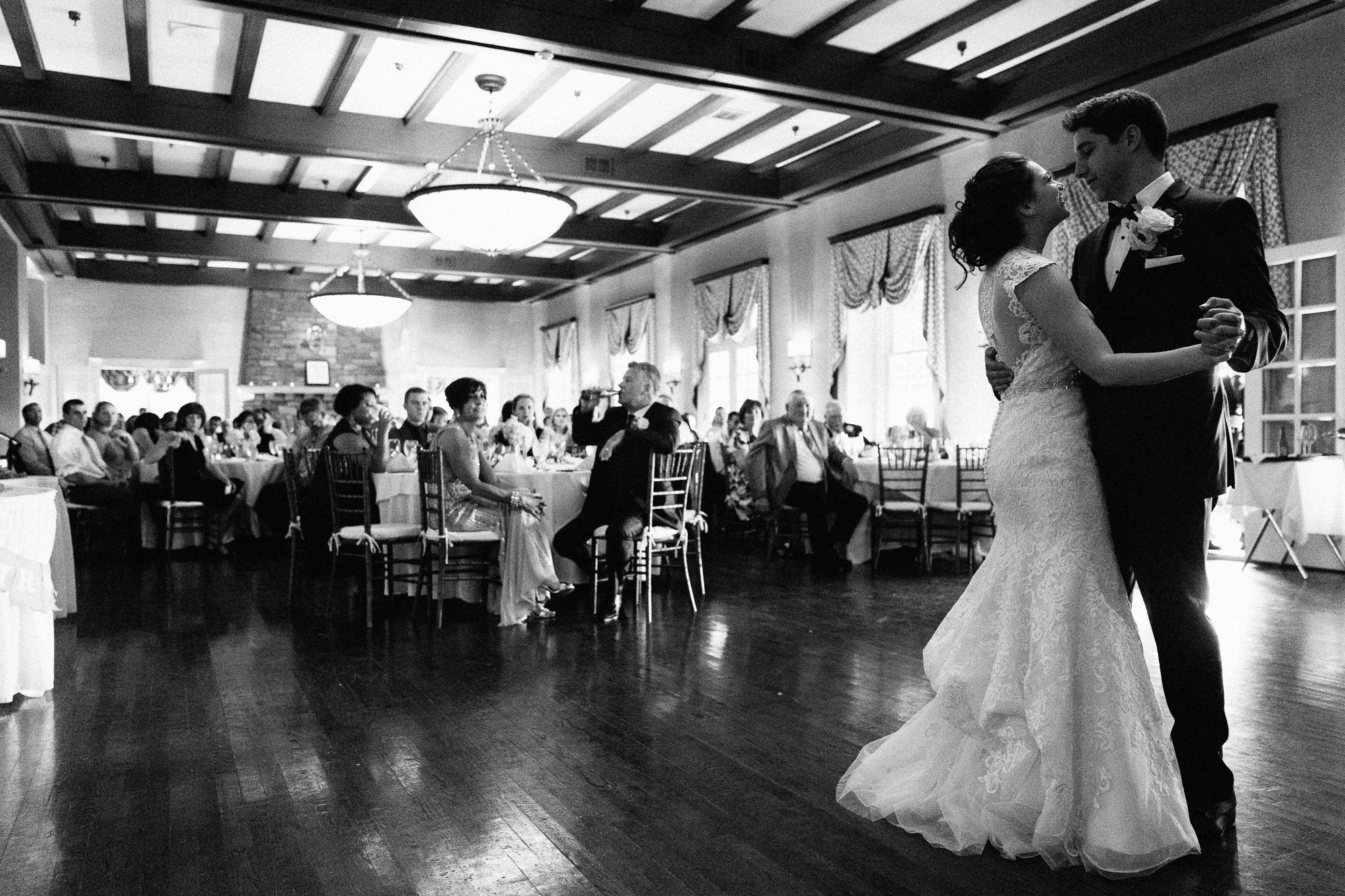 scranton-wedding-photography-zak-zavada-2016.06-rebeccaIan-0686.jpg