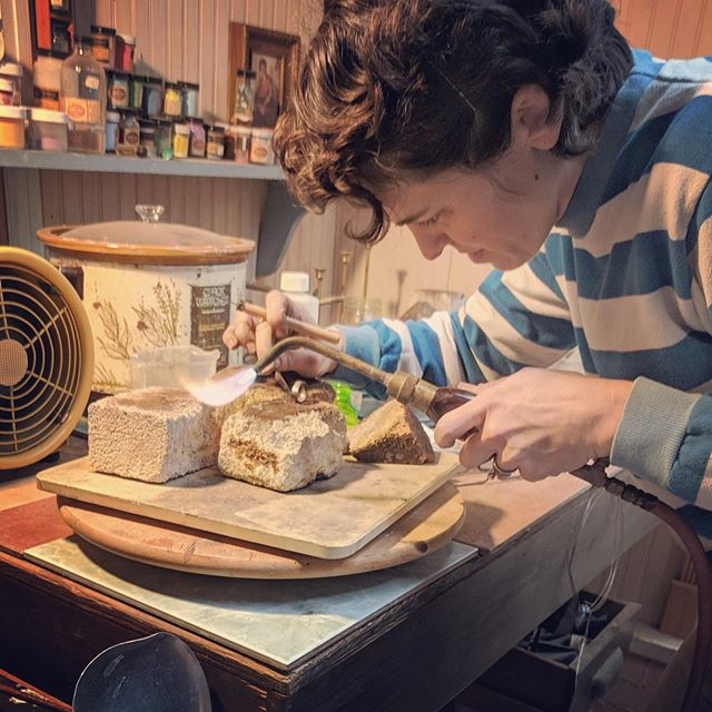 Rare action shot on the rare occasion I'm even making jewelry anymore. I need to get back in the jewelry studio this summer. #metalsmith #weddingbandworkshop #greensboroartist #brittanysondberg #soldering