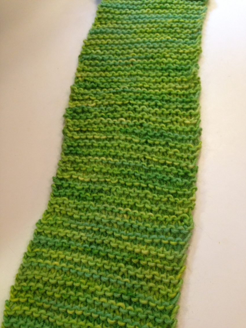 Can you see the bit in the middle, where it's not as smooth and lovely?  Sadly, knit with my bamboo needles.