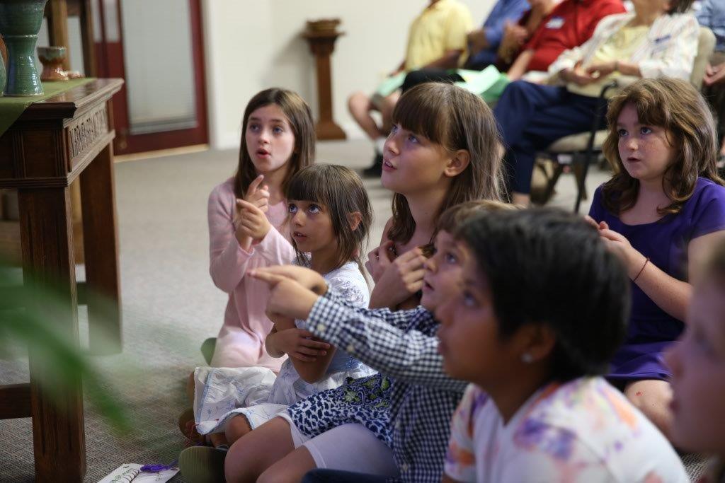 childreninworship.jpg