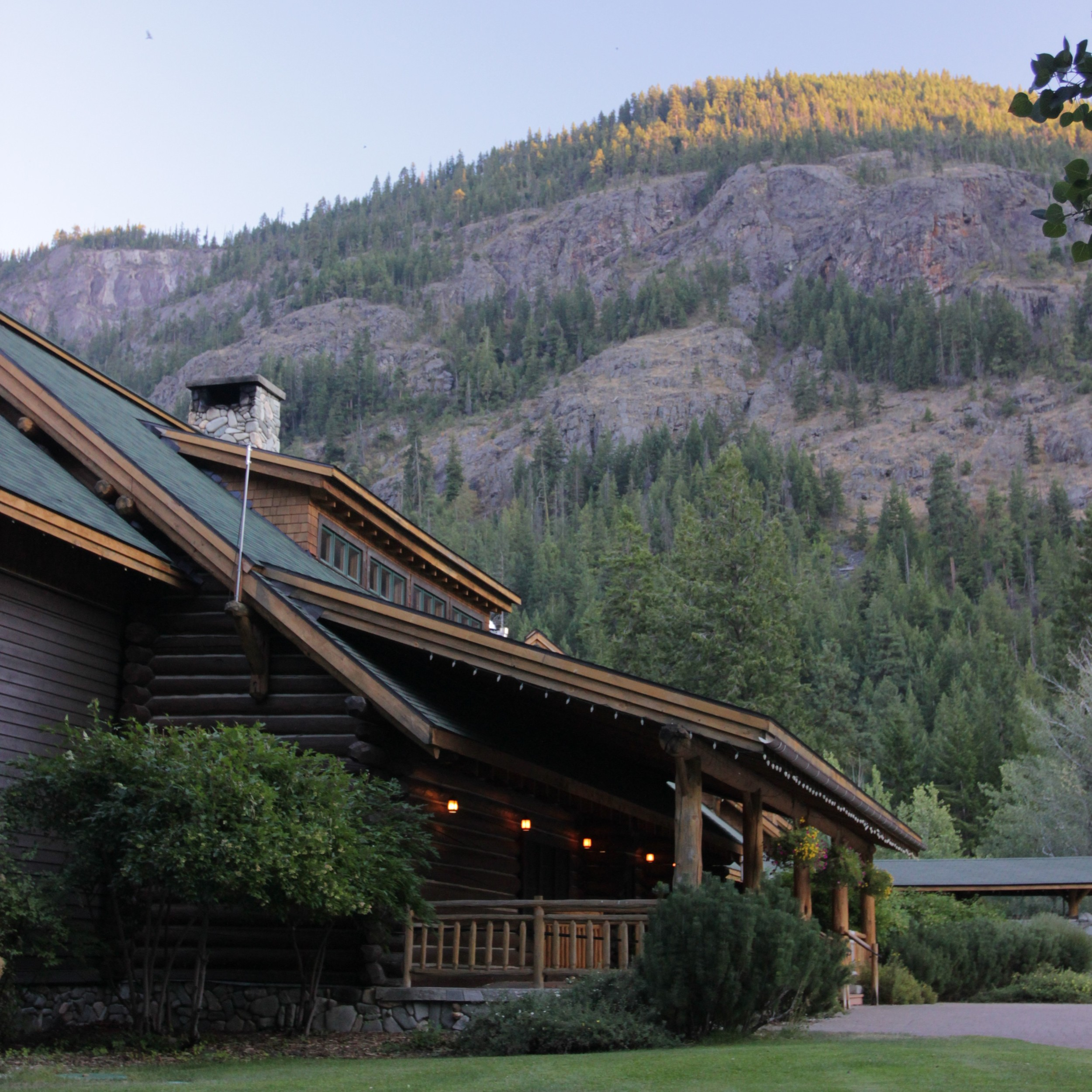 freestone-inn-mazama-up-the-river