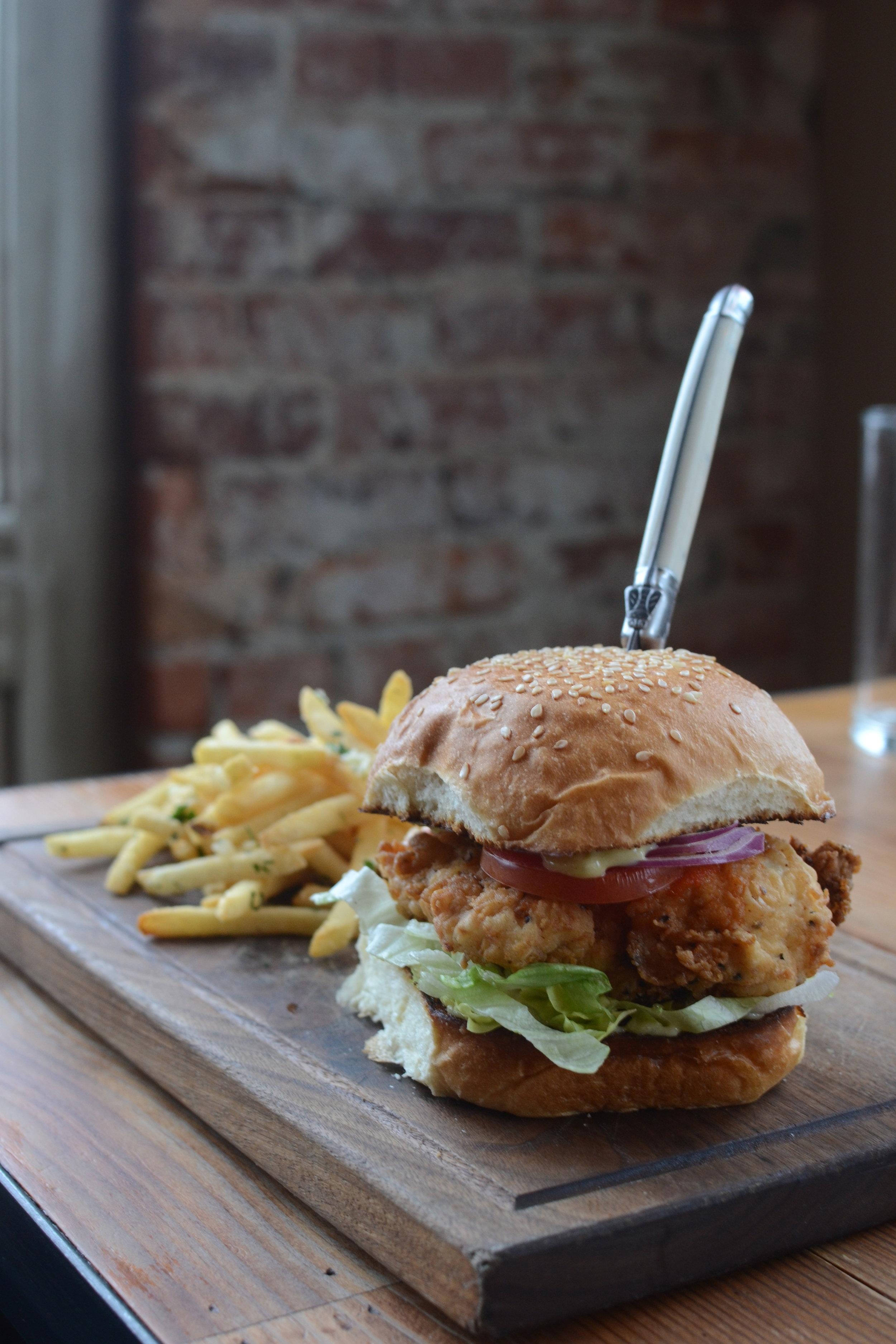 fried-chicken-sandwich-casper-fry