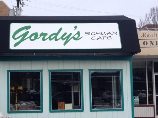 Gordy's-Awning.jpg