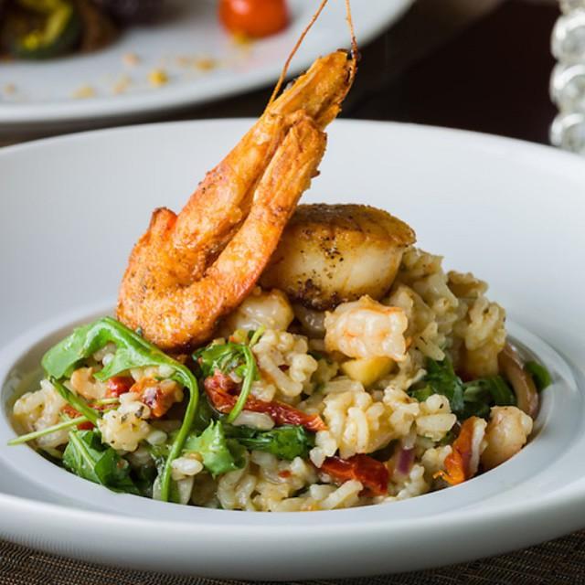 SEAFOOD RISOTTO || Shrimp, Scallops ||Cuttlefish || Arugula || Sun Dried Tomatoes ||Artichokes ||