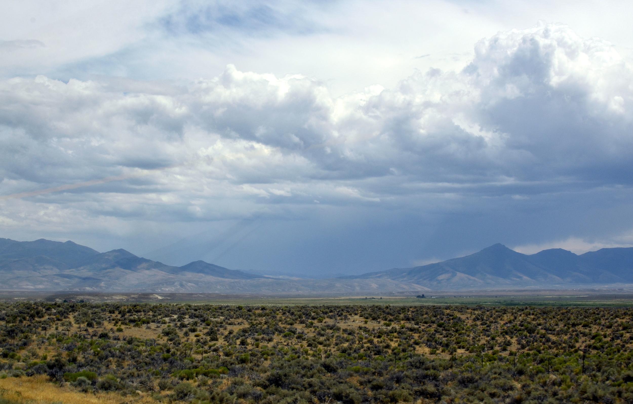 016 Utah Clouds and Mountains.jpg