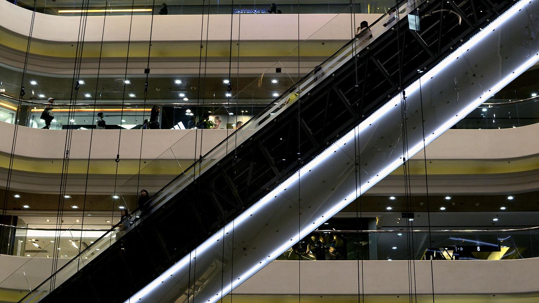 900 HK Mall Escalator.jpg
