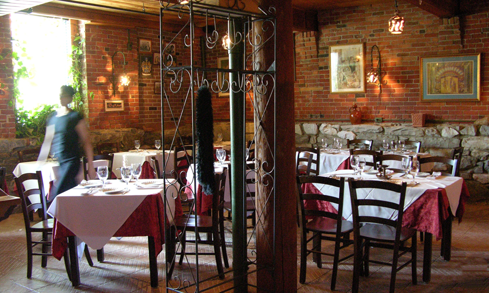davide dining room.jpg