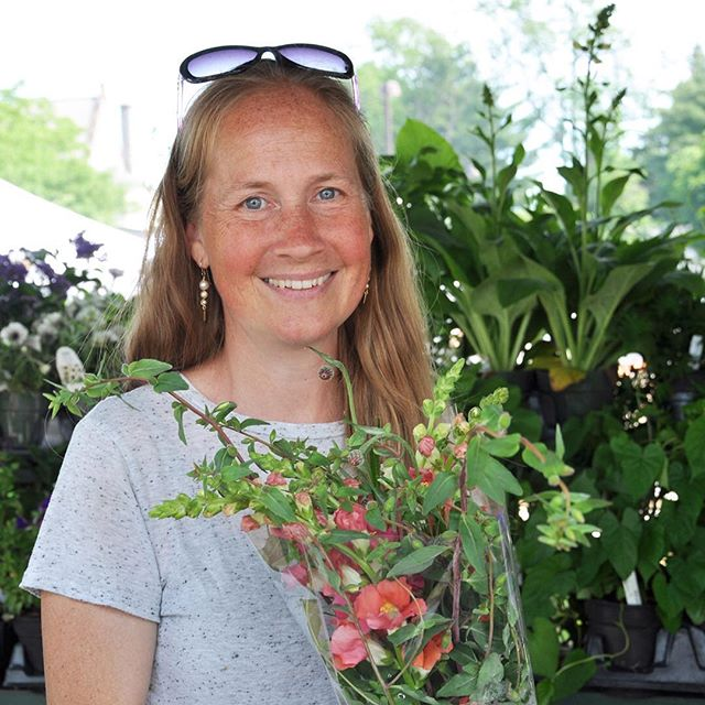 #gbfarmersmarket local flowers #bridlewoodblooms #markristofarm @bridlewoodblooms #berkshireweddings #hudsonvalleyweddings