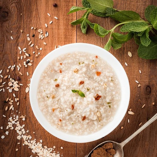 Dr Ruth Brunt's delicious Rice Porridge recipe 🥣 😋  1/2 a cup of white rice 4 slices of fresh ginger  5 cups of water  Simply boil and simmer the ingredients for 45 minutes.. Add a little brown sugar on top to sweeten. There you have it! Super easy, super delicious and nourishing for the stomach ♥️ Bon appètit