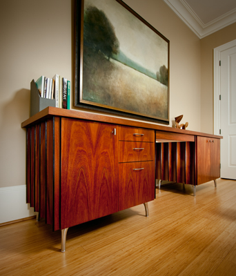 KidneyDeskCredenza02.jpg
