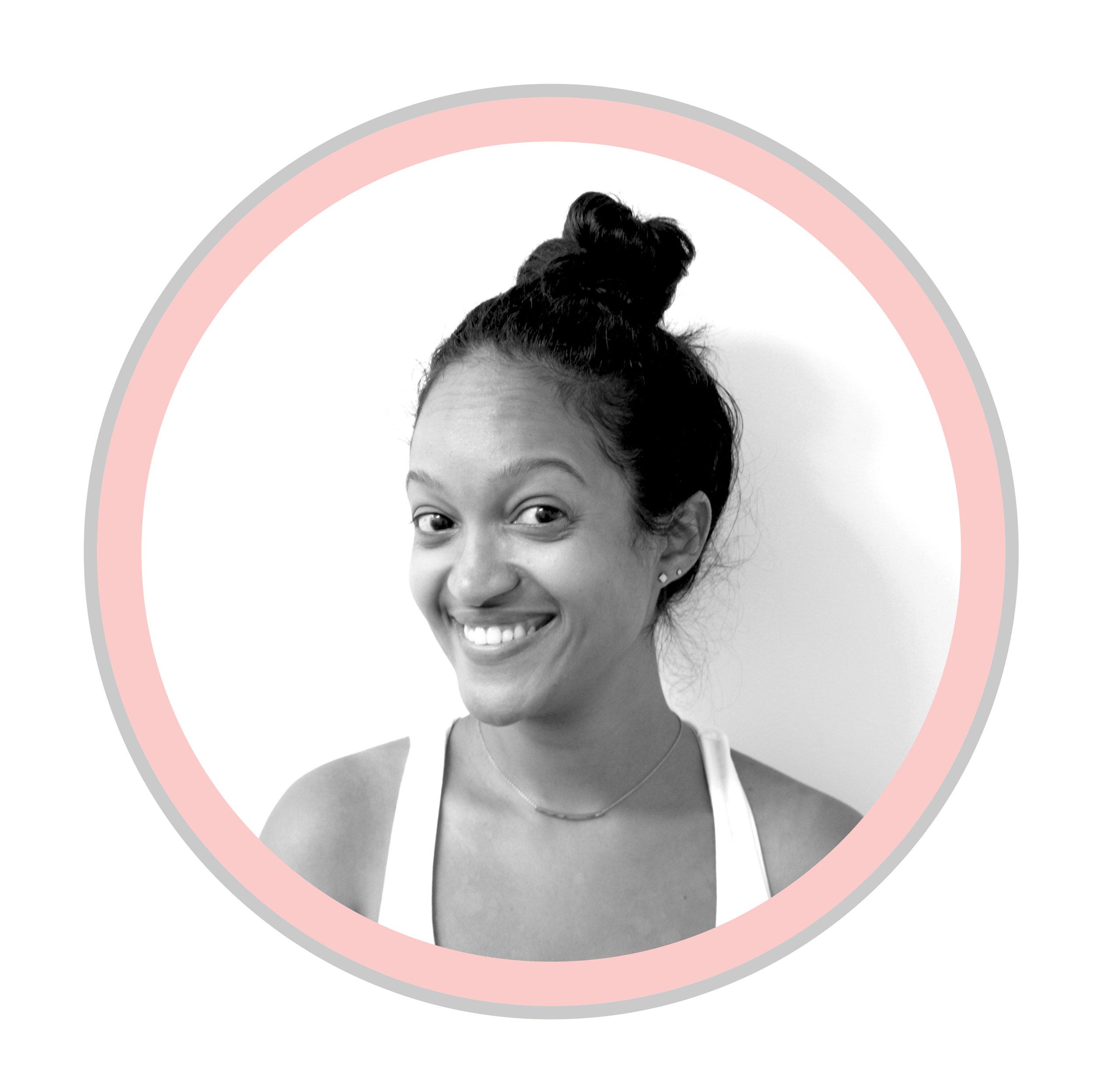 STEPHANIE JEREMIE   Chargée de programmes   Ayant comme objectif de devenir avocate, Stéphanie était surprise d'apprendre qu'une nouvelle carrière l'interpellait lors d'une rencontre bien spéciale, soit son premier cours en sciences po à l'Université Concordia à Montréal. Au cours de son bac, elle a pu vivre des moments incroyables lors de ses stages avec: Equitas à Montréal, ONU Femmes à New York et YMCA à Quito, en Équateur. Elle est contente de faire partie d'une nouvelle famille au sein de L'Apathie c'est plate où elle apprend au quotidien sur les moyens d'inclure et d'engager les jeunes au sein de la démocratie.