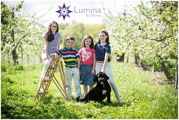 family_portrait_apple_blossom_0002.jpg