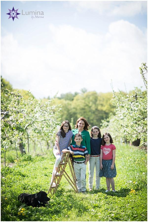 family_portrait_apple_blossom_0001.jpg