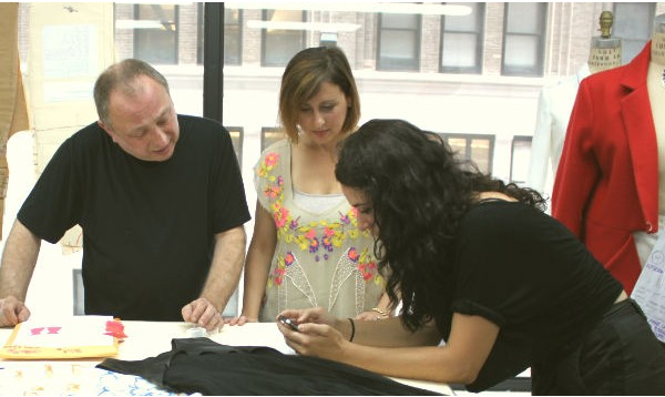 5 Tips for Creating An Apparel Sample BLOG post by Rebecca Clark onMAKERS ROW