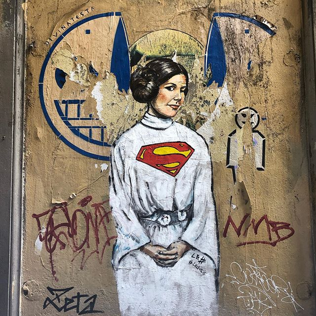 Love all the steeet art in Florence.  Look around and the contemporary culture in Florence is alive and well within the historical context of the renaissance. ...................... #princessleia  #star wars #springsummer2019 #florence #streetart #art