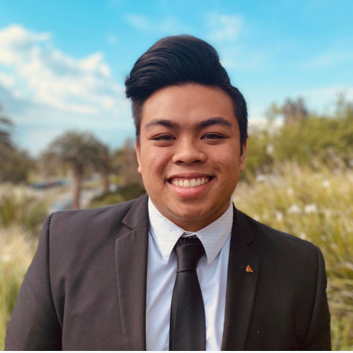 Christian Abad  |  LinkedIn  Year: Junior Major: Business Administration