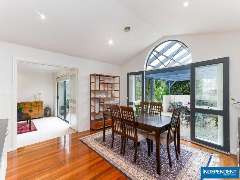 A corner block of 1177m2 on Northam St with 4 bedrooms and 2 bathrooms sold for $820,000 this month.