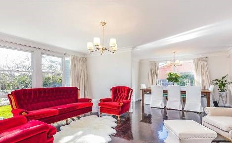 This well-presented 4 bedroom, 2 bathroom home on 917m2 came oh-so-close to the magic $1m mark when it sold at auction for $996,000 at the beginning of Spring.