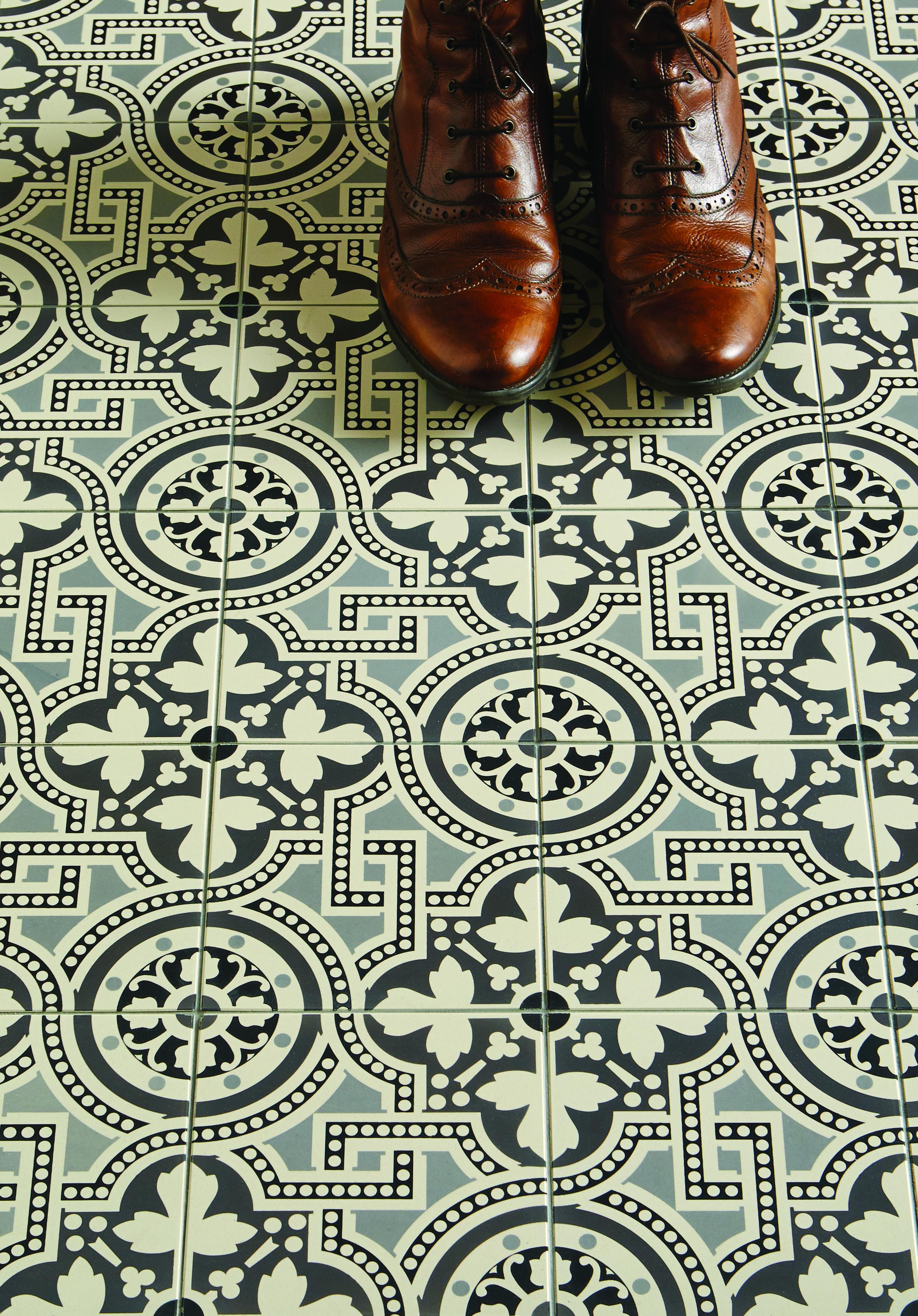 The Salisbury pattern tile in a newmonochrome colourway