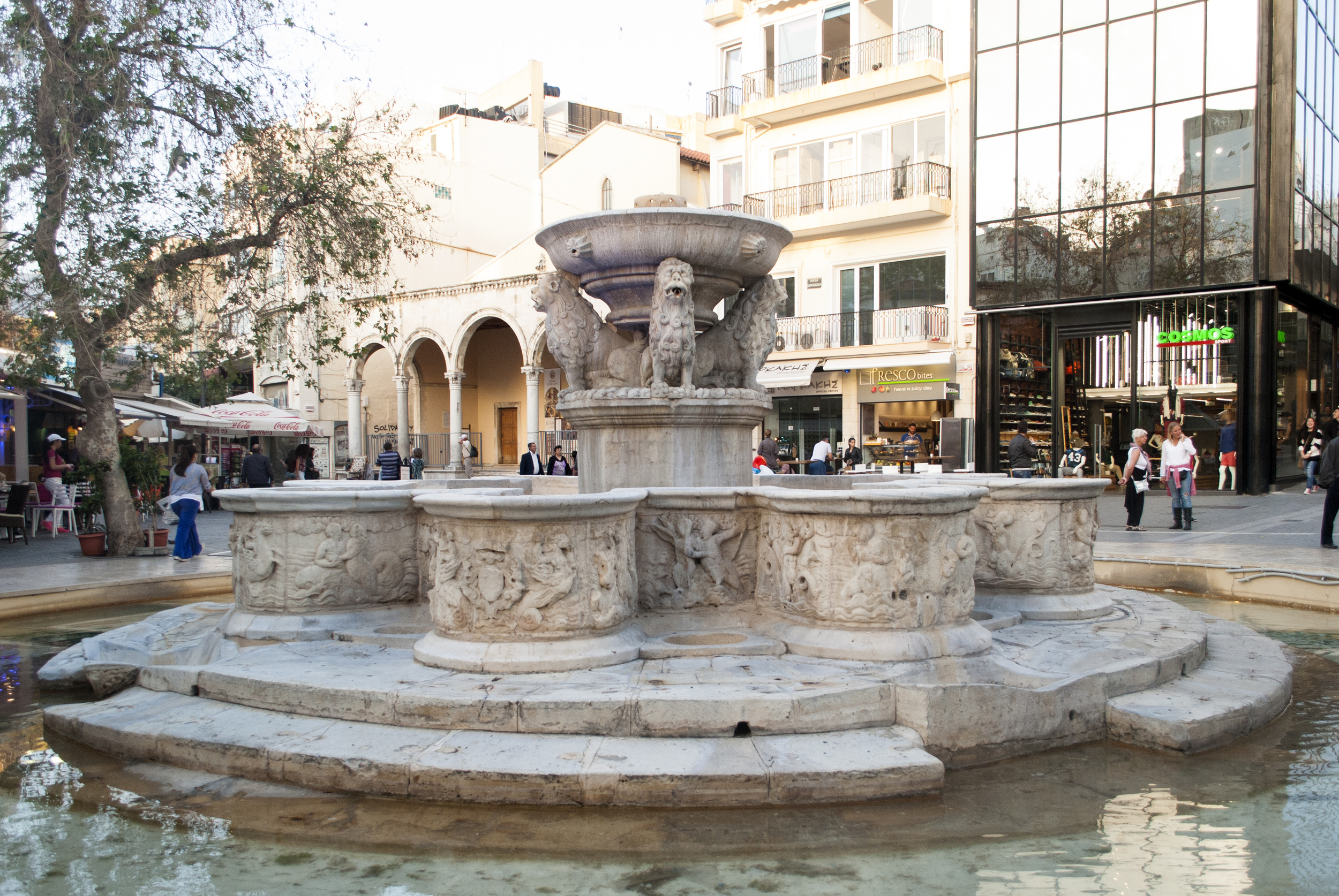 lions fountain in morozini square