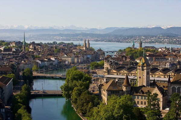Zurich Old Town, River and Lake  © Zurich Tourism