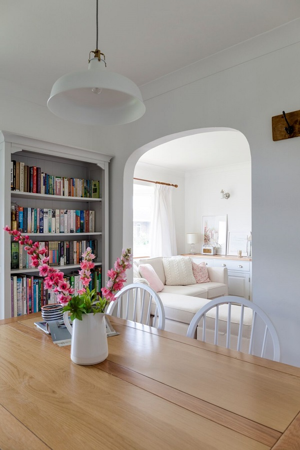 A Pretty, Pastel, Country Style Home of an Interiors Stylist — Heart ...