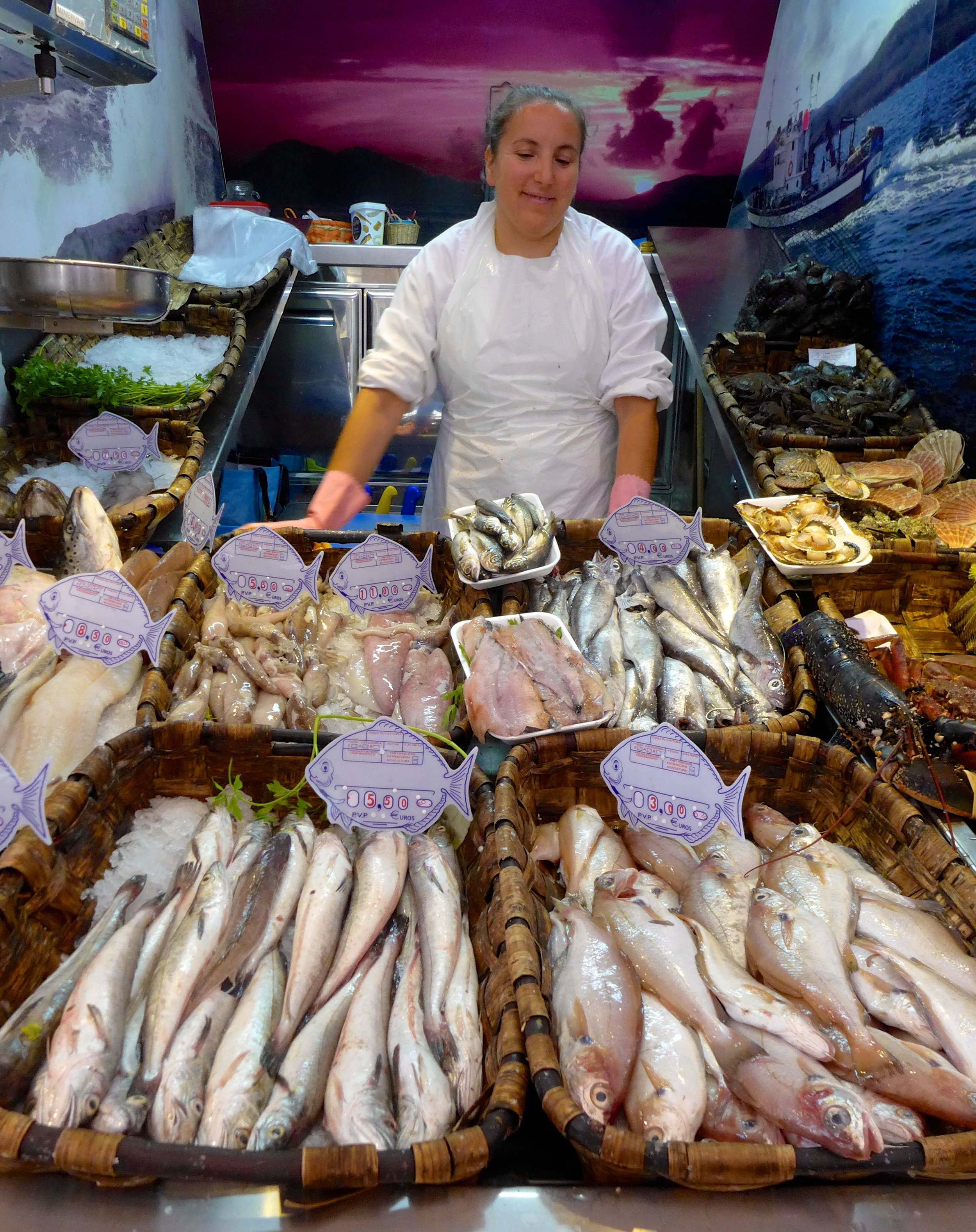 Fishmongers at Mercado de Abastos