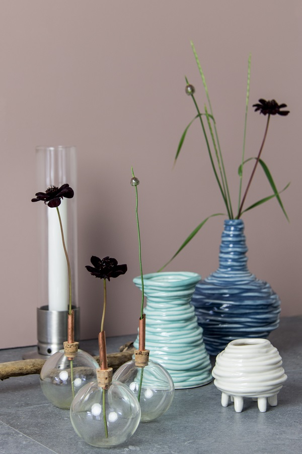 Glasilium - a small glass vase as a support for the flower stem. And Coiled Vases. Handcrafted in Sweden.