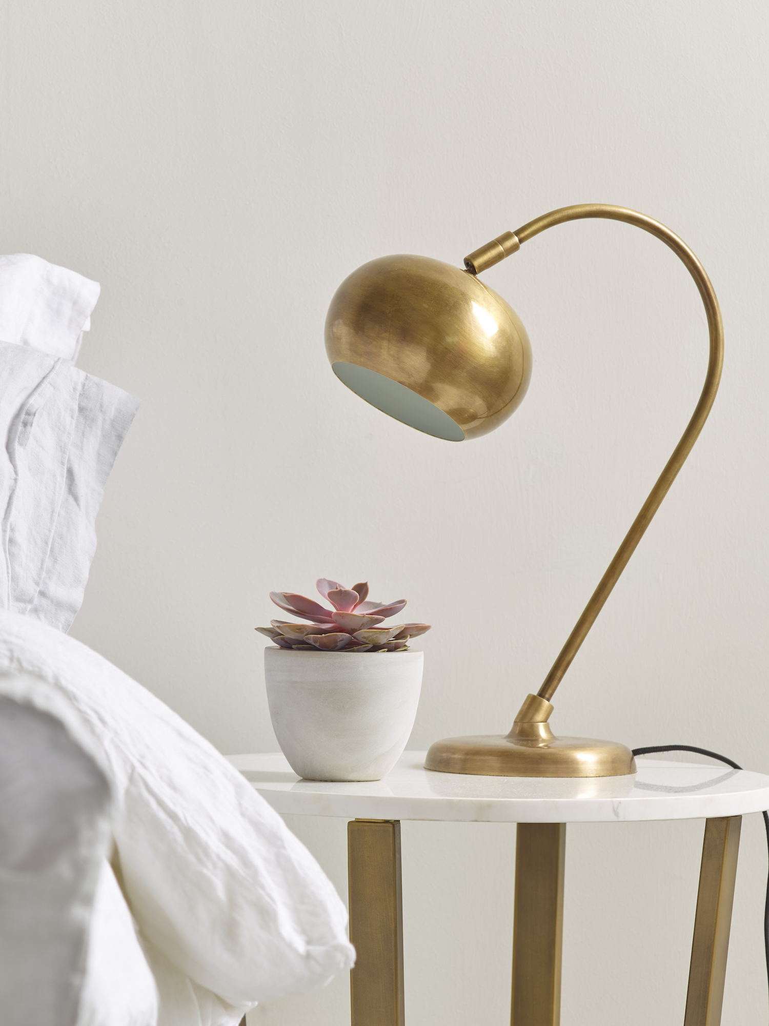 www.coxandcox.co.uk-Curved-Brass-Table-Lamp-H-CURVELAMP-OFF-£225.00.jpg