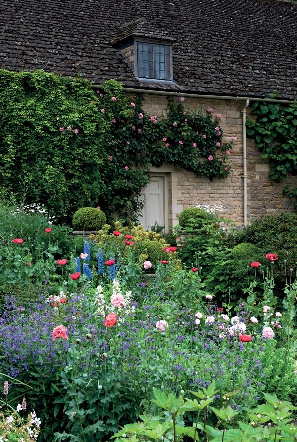 Secret Gardens of East Anglia by Barbara Segall (2).jpg