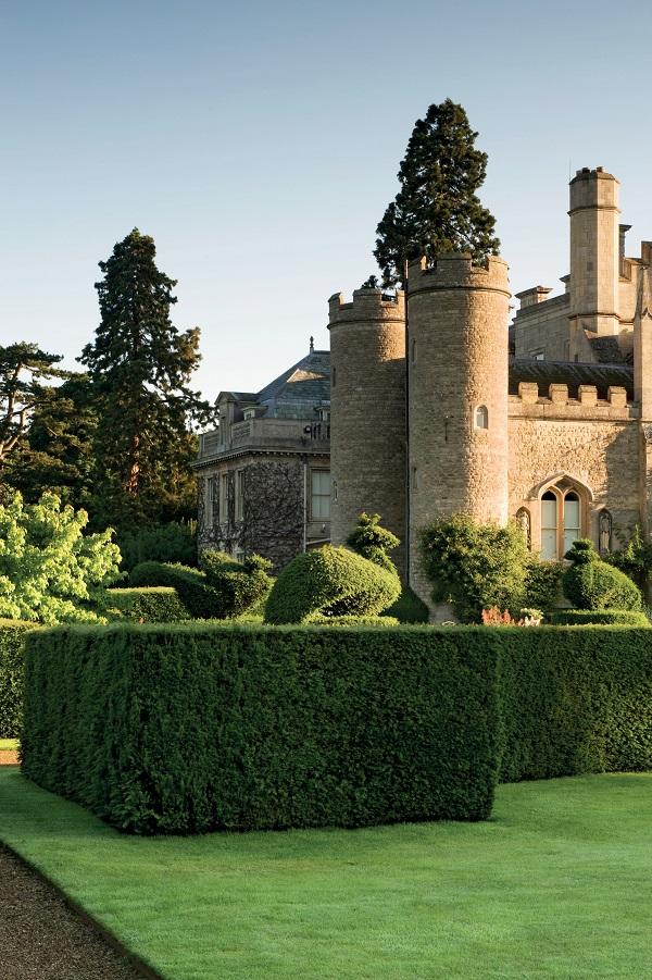 Secret Gardens of East Anglia by Barbara Segall (3).jpg