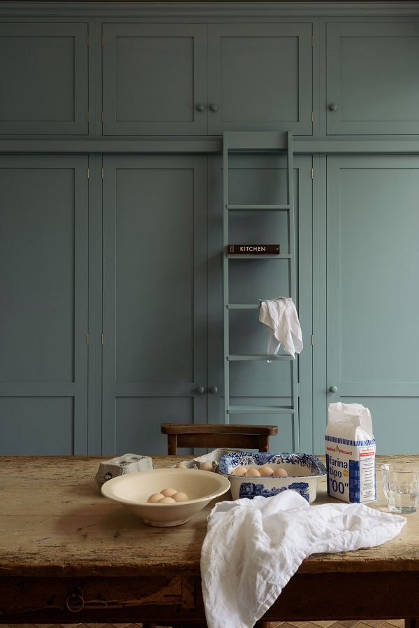7. The Real Shaker Kitchen by deVOL.jpg
