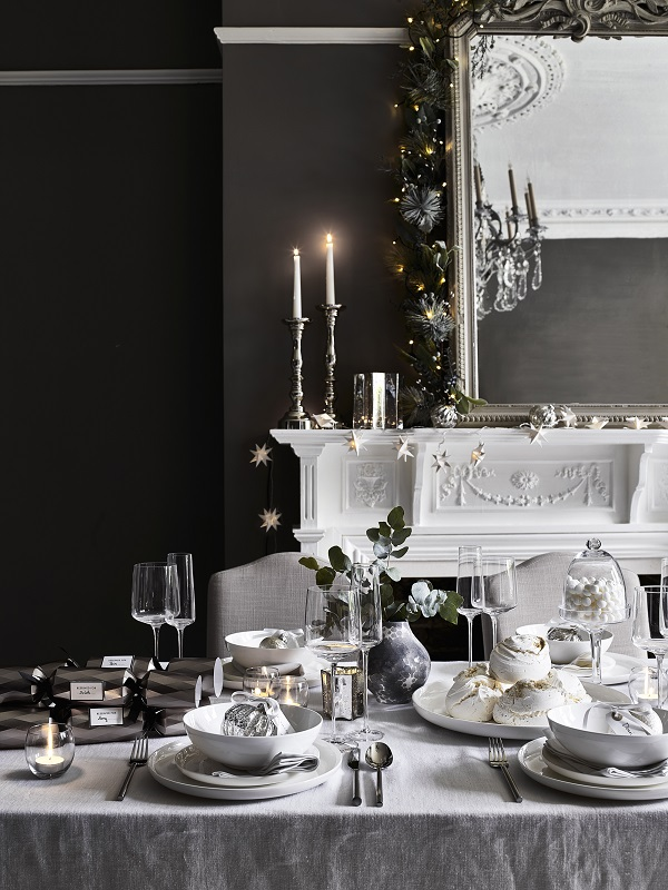 Christmas table inspiration from houseoffraser.jpg