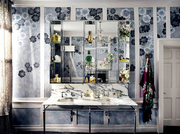 de Gournay with Kate Moss hand painted Anemones in Light wallpaper - Dusk colourway I LR.jpg