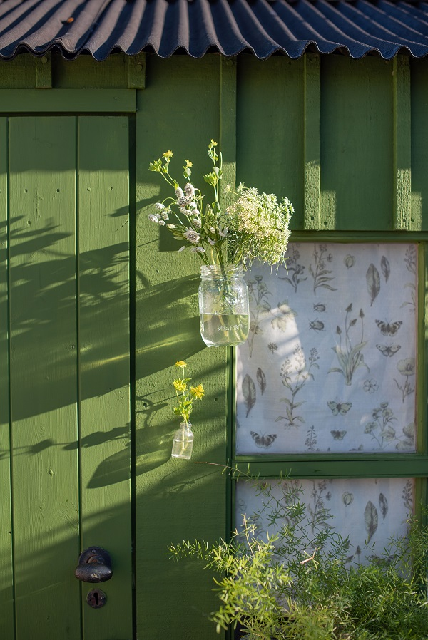 M&L Paints - Shed in Passiflora.jpg