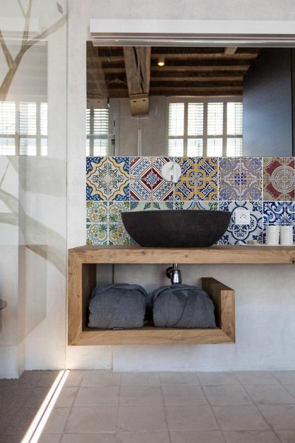 Top Tips for Hanging Wallpaper in the Bathroom (3).jpg