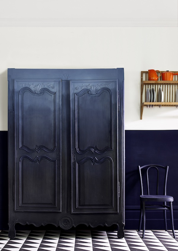 Annie Sloan - Kitchen - Ombre armoire in Chalk Paint in Oxford Navy + Athenian Black  - Lifestyle - Portrait.jpg