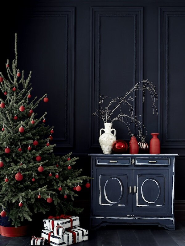 Chalk Paint in Oxford Navy and Old White, baubles in Emperor's Silk, wrapping paper in Oxford Navy