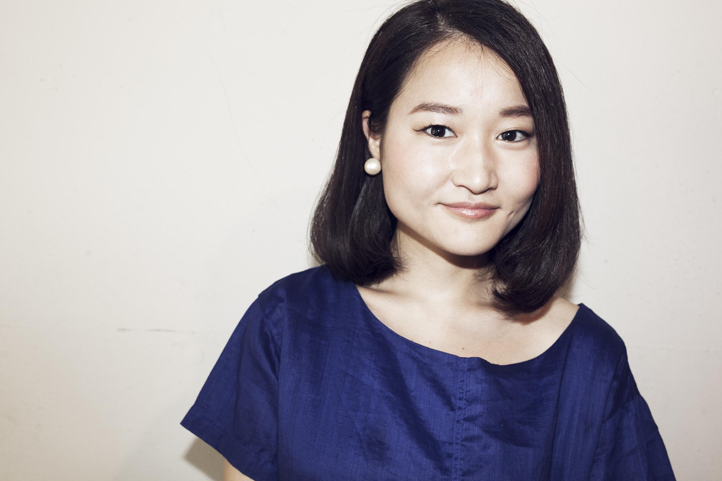 Ai Nakayama   中山 藍  Stylist  東京都出身。 日本美容専門学校。 2007年、都内1店舗を経てSavaに参加。 サロンワーク、着物の着付けなどで活動。