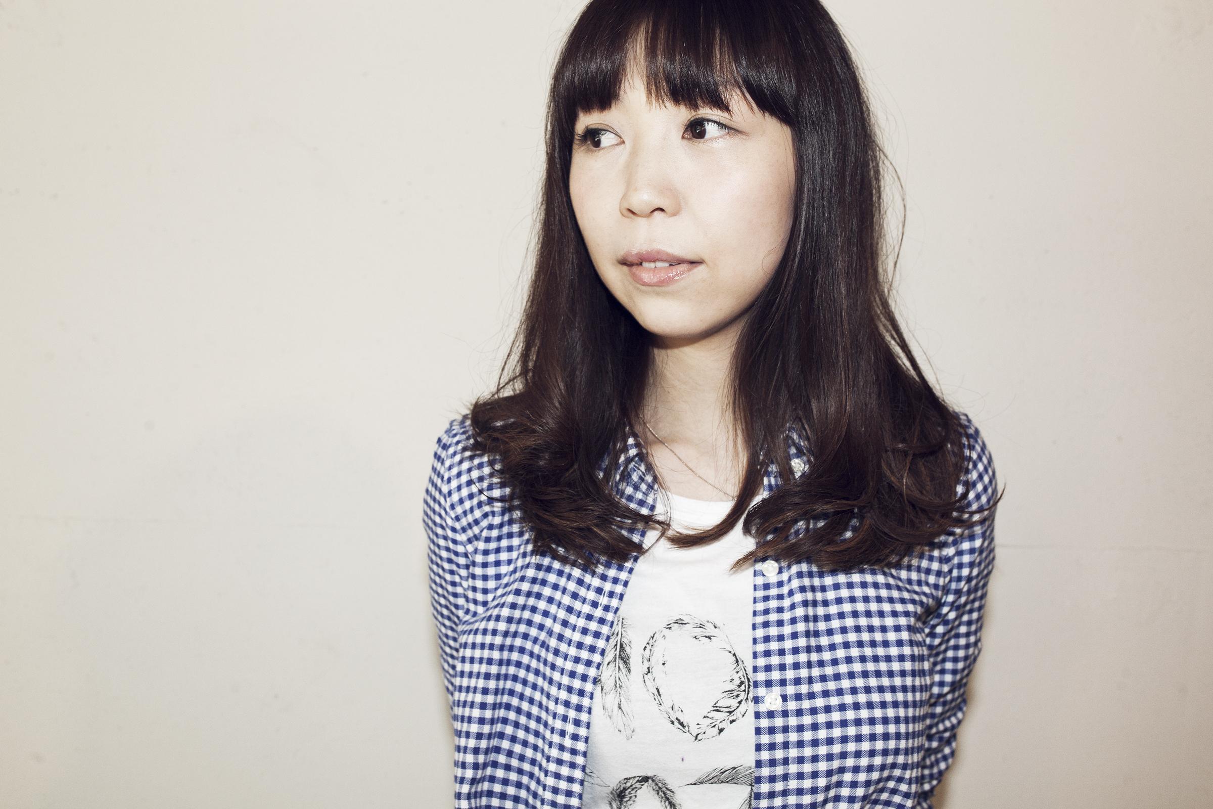 Miki Shiotani   塩谷美樹  Stylist  山形県出身。 仙台理容美容専門学校卒業 1998年、仙台大手サロン入社。アシスタント業を経て上京。 2001年、都内サロンに入社。アシスタント時代を経てスタイリストとして活動。社内アップコンテストで優勝。 2006年、Savaオープンと同時に参加。サロンワークの他、ヘアメイクの活動を開始。 2010年、Sava Keyaki店open。スタイリストとしてサロンワークの他、セットサロンの仕事を兼務する。 2011年、Sava Sakura店異動。スタイリストとしてサロンワークに専念する。