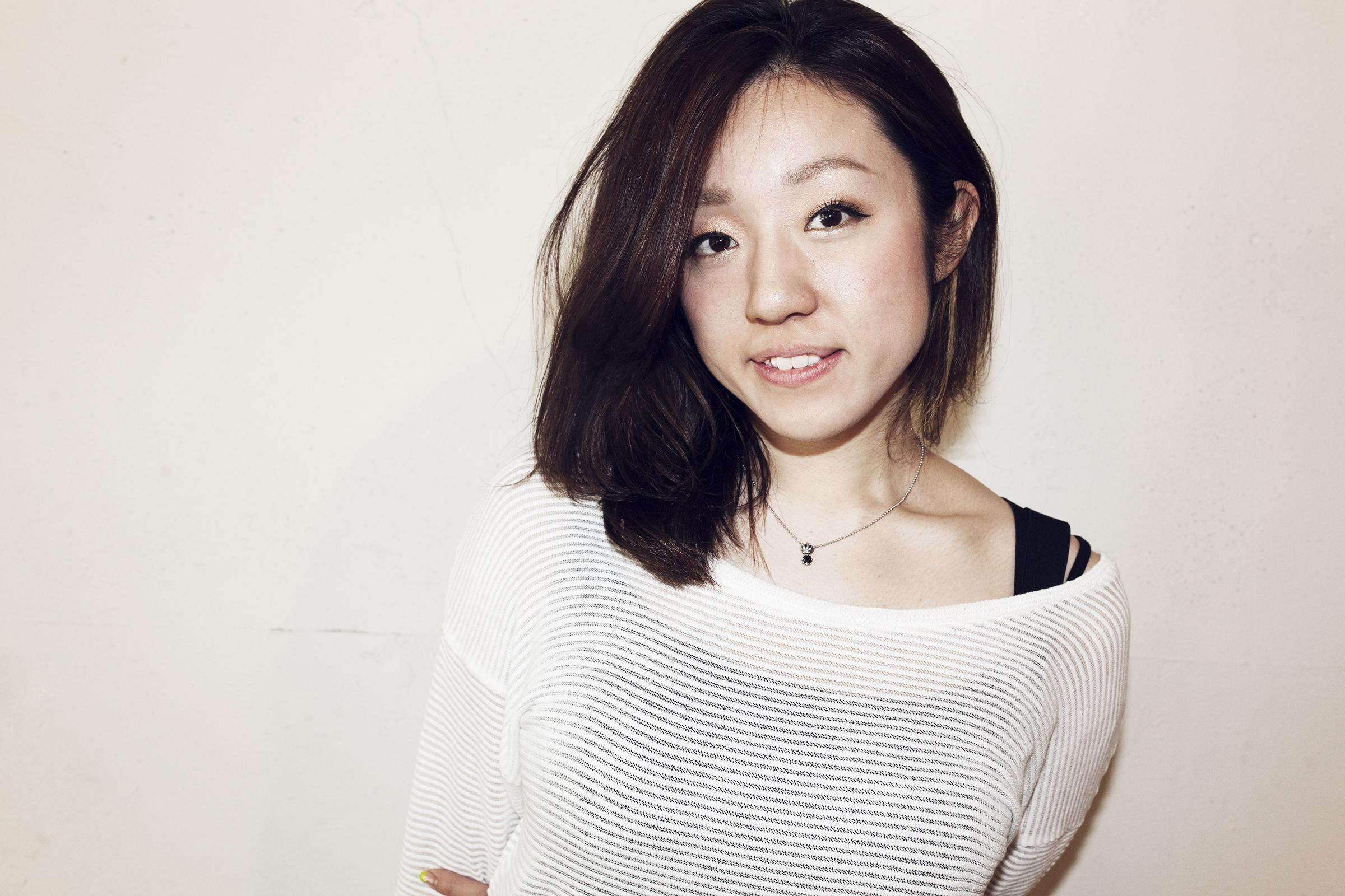 Rei Hanita    埴田玲    Assistant    新潟県出身。   ジャパンビューティーアカデミー卒業。   2009年、Savaに参加。   スタイリスト兼スパ二スト。   メイクアップワーク、シューティングワークを中心に活動。