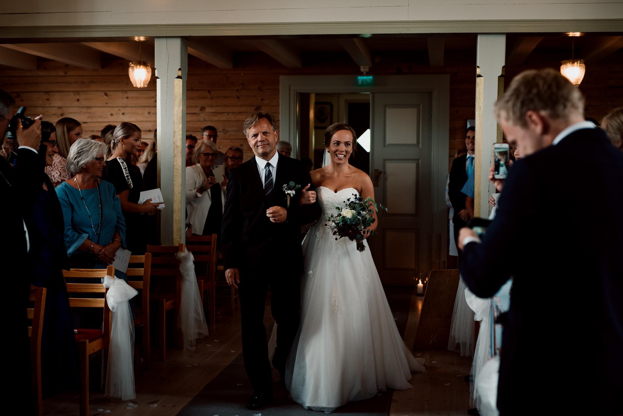 Bryllup-løen-på-sunde-bryllupsfotograf-Stavanger-Lofoten-Bergen-Oslo-17.jpg