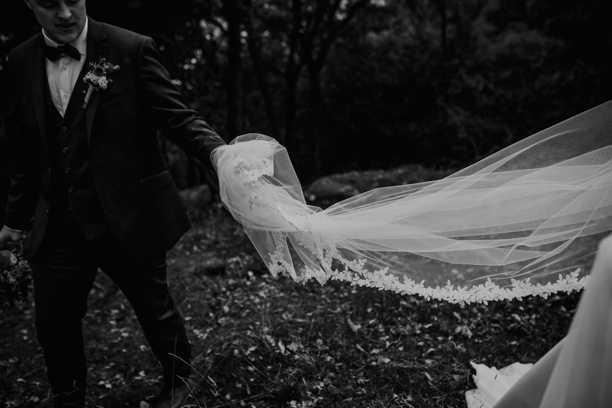 Bryllup-løen-på-sunde-bryllupsfotograf-Stavanger-Lofoten-Bergen-Oslo-38.jpg