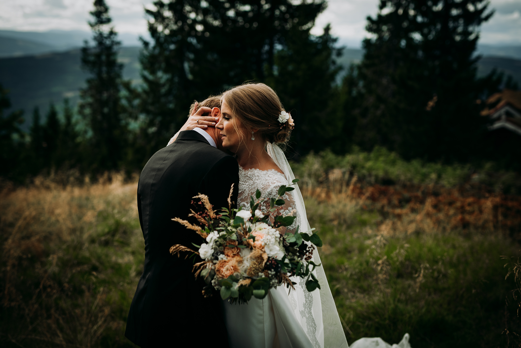 .... Elopement photographer Norway .. Bryllup på Ilsetra Hafjell ....