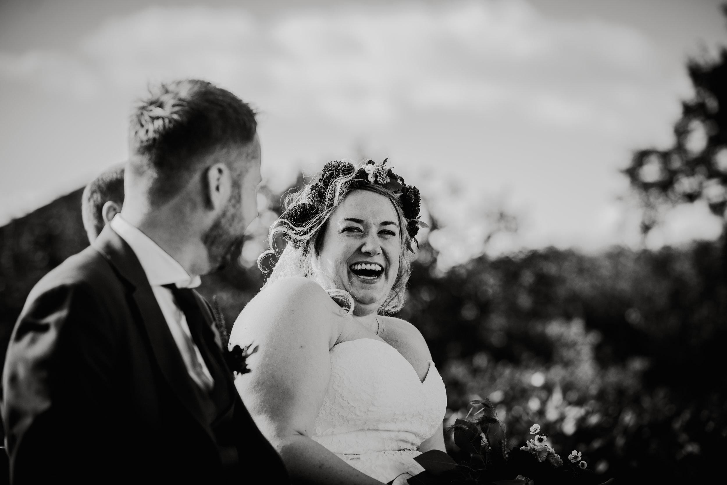.... Norway elopement photographer .. Bryllup på Hoel gård, høstbryllup ....