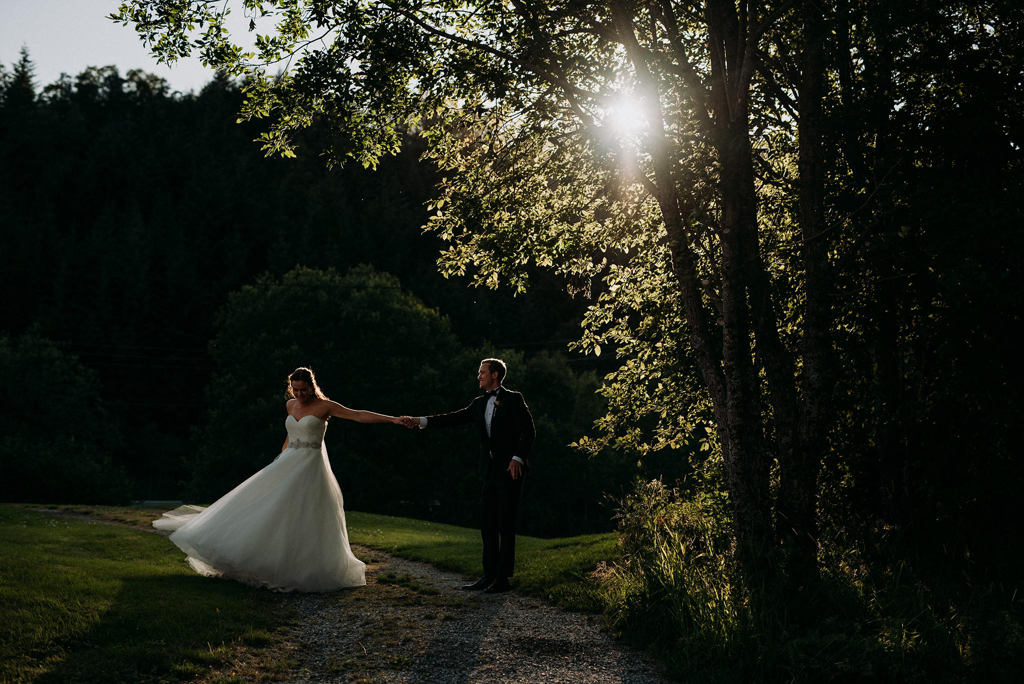 Bryllupsfotograf i Bergen, utevielse Bergen, Petrichor and Pine