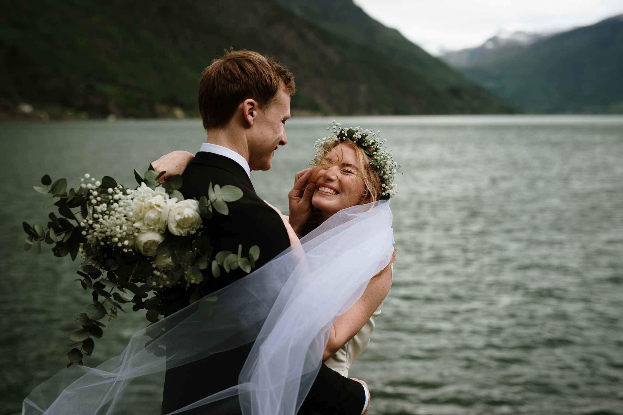 Elopement in Norway fjords, Elopement photographer Norway